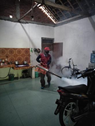 Penyemprotan/Fogging Fokus Desa Sukowetan